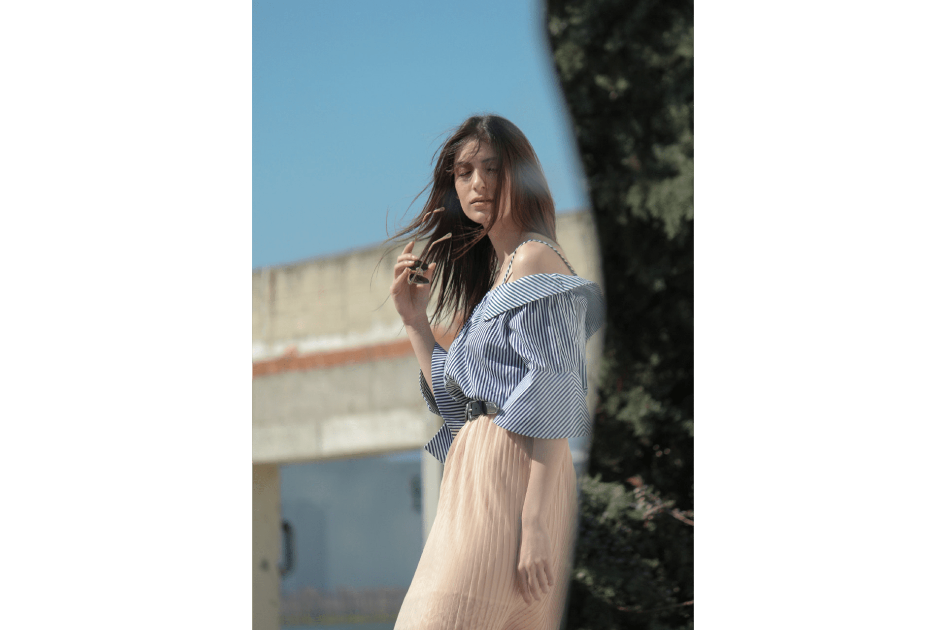 Plyska Genova - Angela Kourliti. Show Off