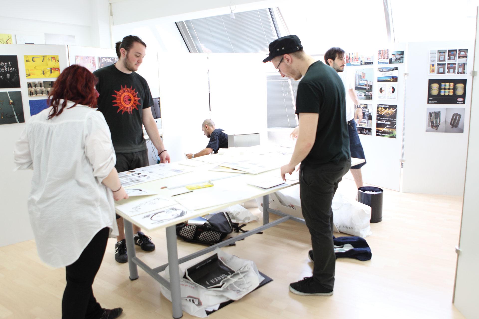 Graphic Studio Working